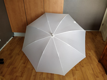 Ilmoitus: Sateenvarjo / Päivänvarjo