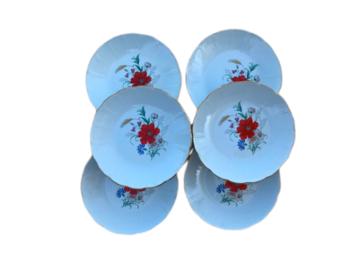 Vente: 6 Assiettes creuses en porcelaine de Saint Amand