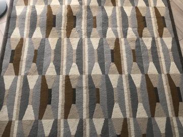 Selling: Carpet (170x240)