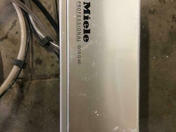 Gebruikte apparatuur: Doseerautomaat voor Miele G7881