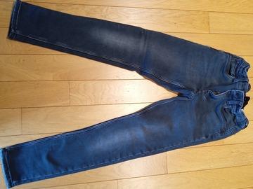 Vente: Jeans noir (12/13 ans) et bleu (11/12 ans)