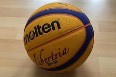 Vermieten Equipment/Ausrüsstung mit eigener Preiseinheit (Kein Verfügbarkeitskalender): Original 3x3 Molton Ball zum ausleihen