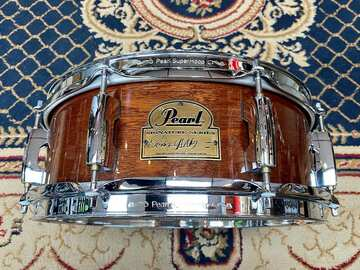 """Selling with online payment: Pearl 13x5"""" Omar Hakim Signature Snare Drum African Mahogany"""