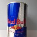 Vermieten mit Online-Zahlungen: Red Bull Kühlschrank mit Rollen