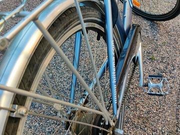 Selling: Ladies city bike with 7 gears