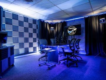 Rent Podcast Studio: To The Moon Creative Podcast Studio