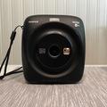 Ilmoitus: Fujifilm SQ20 -kamera, muistitoiminto ja neliön malliset kuvat!