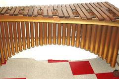 Selling with online payment: LUDWIG 4 octave Grand Apollo portable marimba