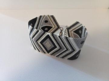 Vente au détail: Bracelet tissé en perles miyuki noir MIRANDA