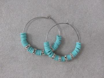 Vente au détail: Créoles en acier et perles heishi bleues SAM XL