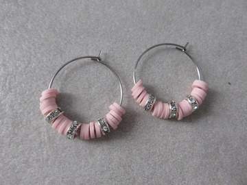 Vente au détail: Créoles en acier et perles heishi roses SAM