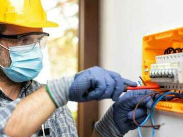 Hourly Rate Service Offering : Electrical Engineer Electrician