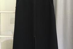 Selling: Black skirt