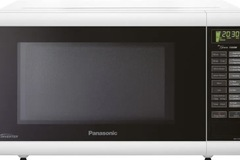 For Sale: Panasonic Microwave Oven: NN-ST641W for Sale only 180NZD