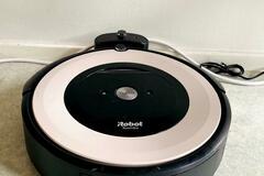 Selling: iRobot Roomba e5152