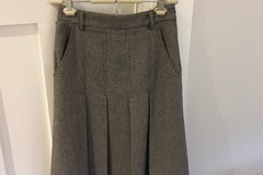 Selling: Tweed Robyn Skirt - as NEW