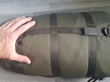 Til leie (per uke): Makuupussi Carinthia defence 4 koko L 200cm