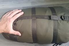 Vuokrataan (viikko): Makuupussi Carinthia defence 4 koko L 200cm