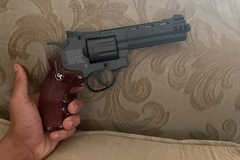 Selling: Game face airsoft revolver