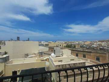 Rooms for rent: Nice large room for rent Sliema