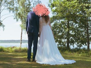 Ilmoitus: Kaunis ja siro mekko Etelä-Savossa