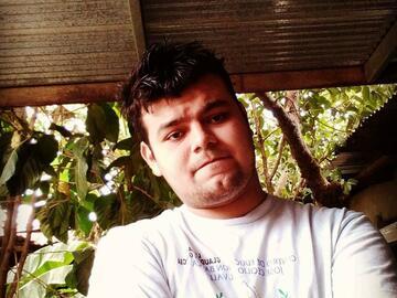 VeeBee Virtual Babysitter: Manuel Romero