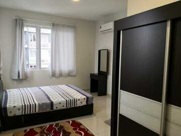 For rent: Special Rooms for Women with air conditioning Aurora Residences