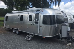 For Sale: Airstream Classic 30RBT
