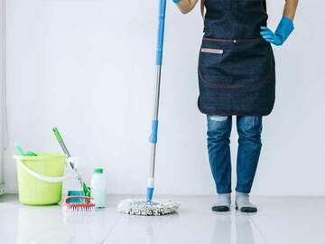 Hourly Rate Service Offering : Full time cleaner