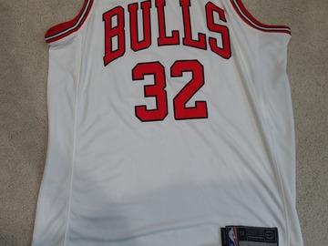 Selling A Singular Item: Chicago Bulls #32 Kris Dunn Nike Aeroswet
