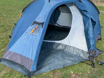 Renting out with online payment: Blue 3 person tent
