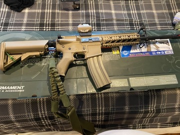 Selling: Airsoft gun and gear