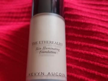 "Venta: Base de Kevyn Aucoin ""The etherealist skin illuminating"""