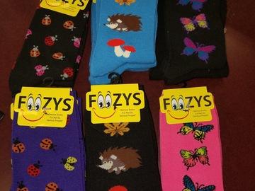清算批发地: Foozies 15 pair assorted. Size 9-11 Ladies Socks