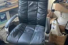 For Sale: Computer Chair for Sale only 40NZD