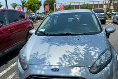 Selling: Ford Fiesta 2014 SE