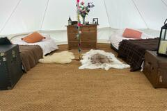 Renting out with online payment: Beautiful bell tents available 6 meter, 5 meter and 4 meter