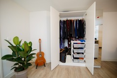 Renting out with online payment: Closet space