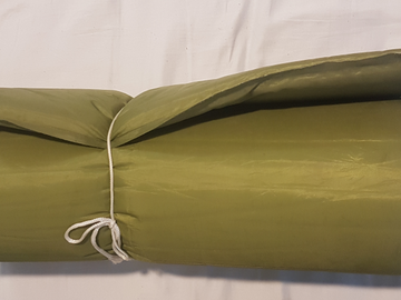 Myydään: Inflatable sleeping pad / ilmatäytteinen makuualusta