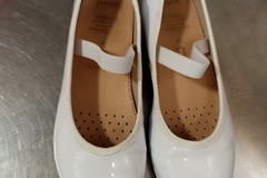 Selling without online payment: Geox girl white shoes for school size 31