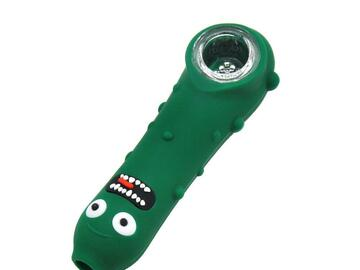 """Post Now: """"I turned myself into a pickle"""" Silicone Hand Pipe"""