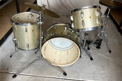 Selling with online payment: Ludwig 1964 Drum Set