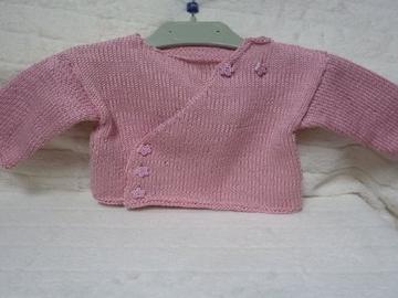 Vente au détail: Brassière bébé rose, gilet bébé fille : 3 mois - livraison gratui
