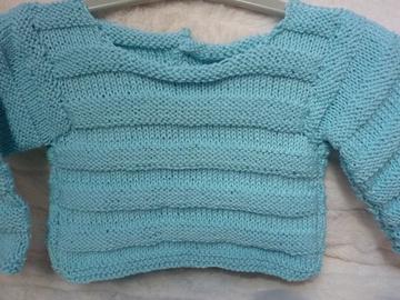 Vente au détail: Brassière bébé bleue tricotée main : 3 mois - livraison gratuite