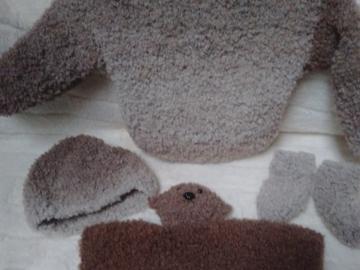 Vente au détail: Ensemble bébé marron tricoté main : 3 mois - livraison gratuite