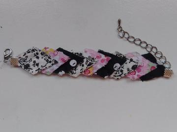 Vente au détail: Bracelet imparfait noir, rose et blanc - livraison gratuite