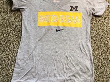 Selling A Singular Item: Michigan VNeck Nike dri-fit T-shirt