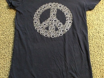 Selling A Singular Item: Penn State Youth Peace Sign T-shirt
