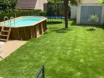 NOS JARDINS A LOUER: Jardin avec piscine, 2 terrasses, barbecue, trampoline table 12p