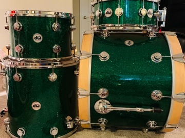 Selling with online payment: DW Collector's Series Drum Kit EC